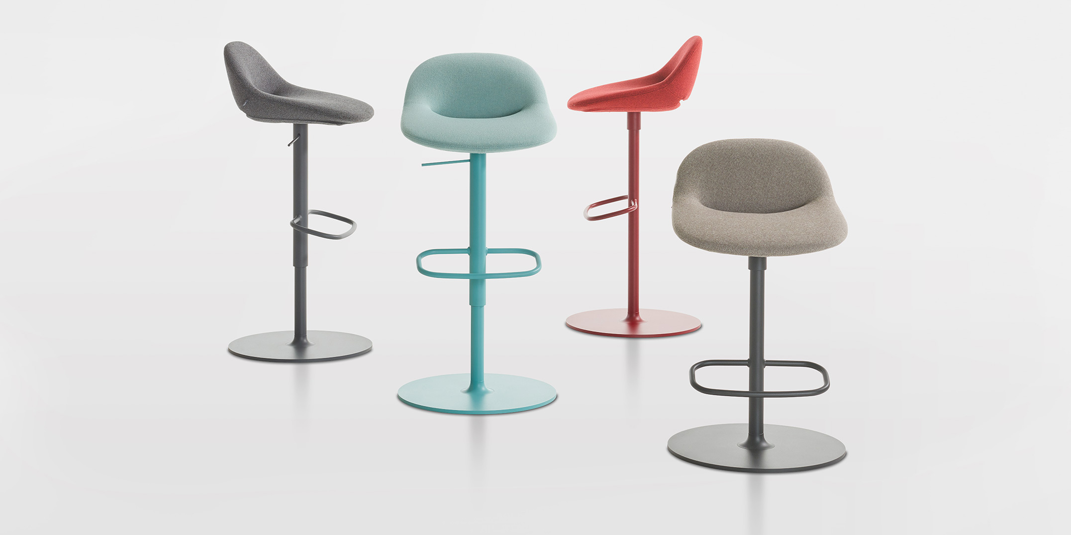 Beso bar stool header